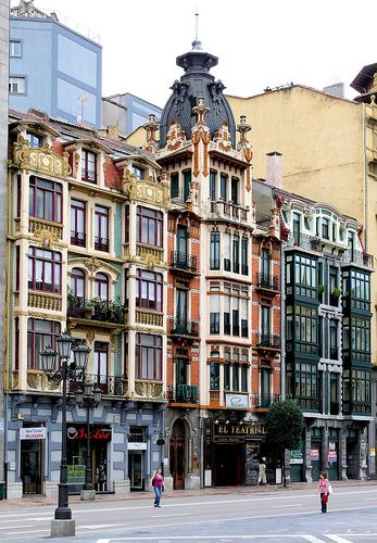 Oviedo,  Asturias by Arnim Schulz via Flickr.