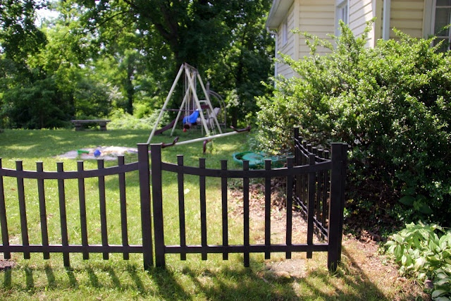 17 best images about temporary fence on pinterest canada for Pretty fencing ideas