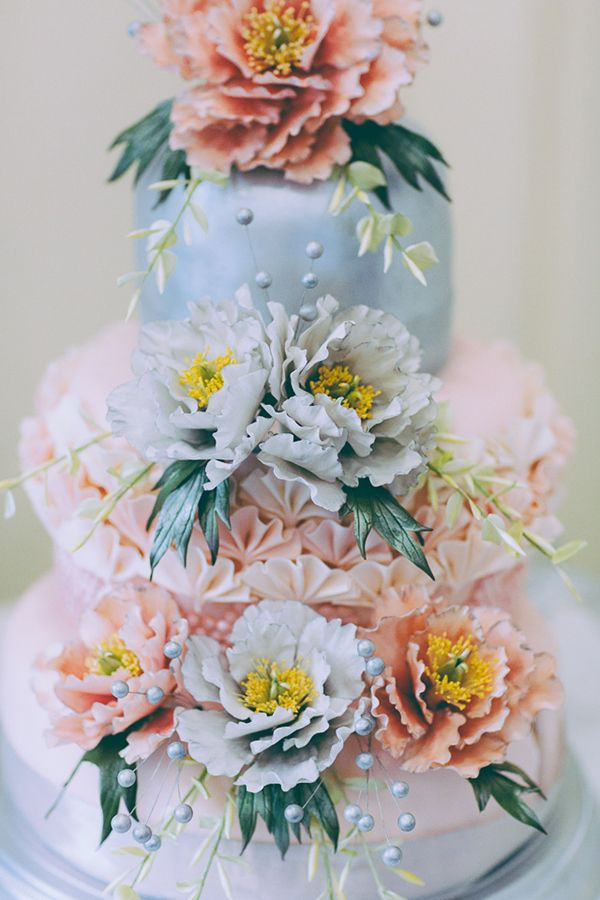 shabby chic bridal shower cakes%0A Eclectic Colourful Quirky Village Hall Wedding Edible Floral Cake  http   missgen com