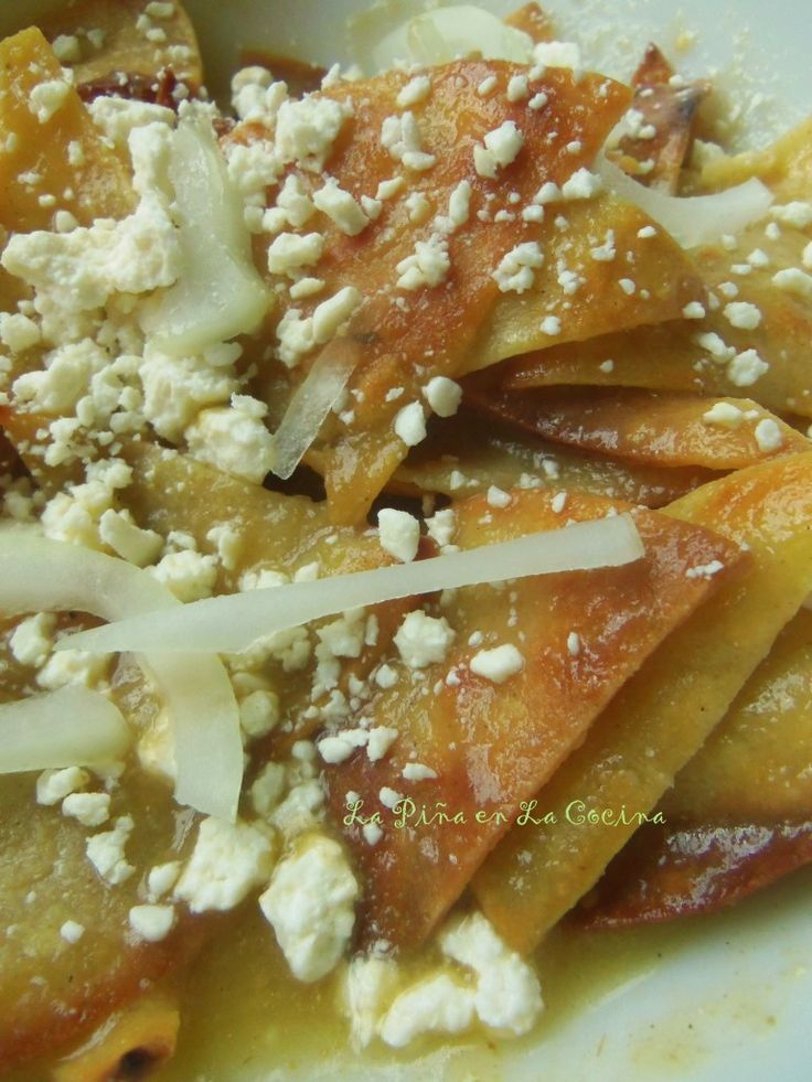... ~ Torta de Chilaquiles Verdes (Chilaquiles with Tomatillo Salsa