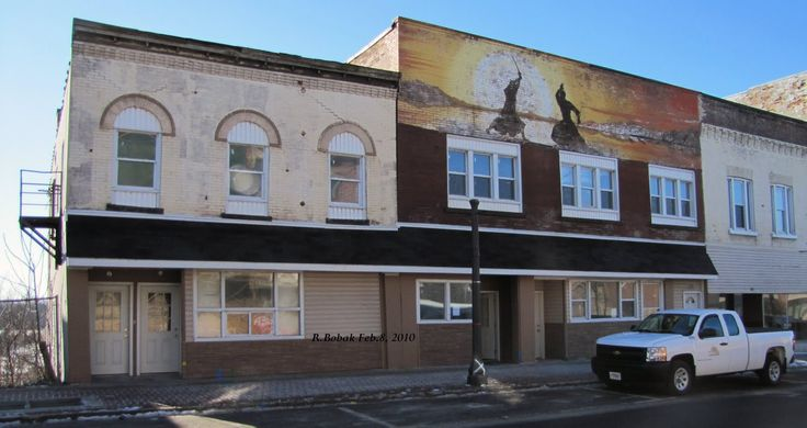 Right In Niagara: Old Storefronts on Colborne St., Brantford, Ont.