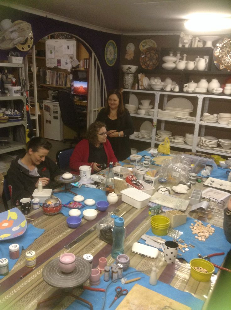Art and Craft Lessons at Lisa B's Art Studio. Pottery, pewter, mosaic and ceramics. Great fun.