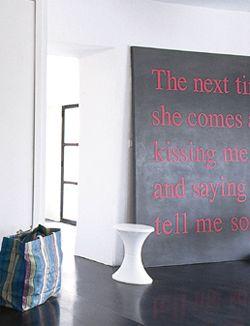 Maak zelf een kunstwerk met een mooie, sprekende tekst. Je maakt zo'n kunstwerk met een plaat mdf en plakletters. Heel simpel dus. 101woonideeen.nl/zelfmaken/kunstwerk-met-tekst.html