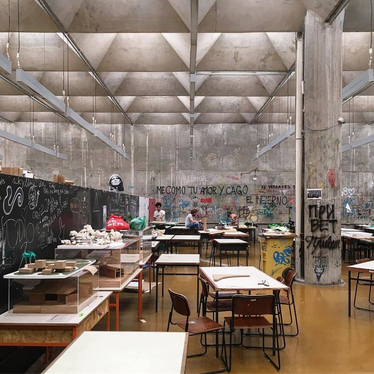"archdaily:  "" Student life @ 🇧🇷 FAU USP (Architecture and Urbanism Faculty at São Paulo University) by João Vilanova Artigas and Carlos Cascaldi (1969) 👏🏻 #architecture #archdaily #instagood #brazil #iphonesia #saopaulo #vilanovaartigas #fauusp (at..."