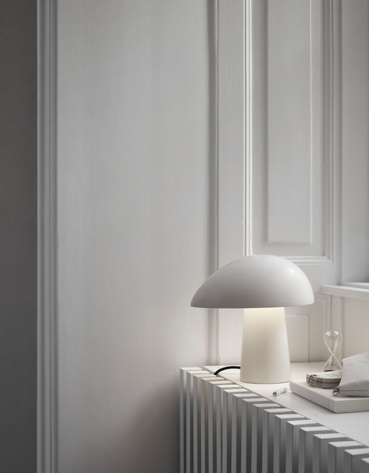 found by hedviggen⚓️ on pinterest | details | lamp | white | window | simple | clean