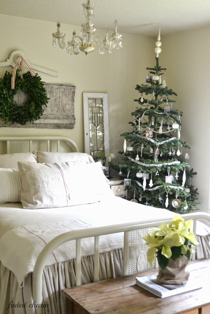 133 best bedroom decorating ideas images on pinterest bedrooms vintage christmas faded charm winter bedroom decorchristmas bedroom decorationsbedroom