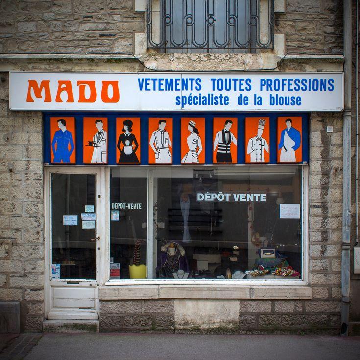 Rue Larralde Biarritz Pyrenees Atlantiques Decembre 2018 Facade Boutique Biarritz Rue