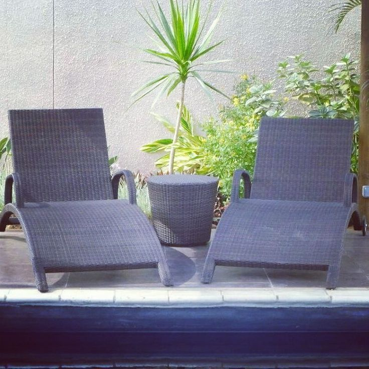 When you're shopping for outdoor furniture you need something that is capable of withstanding the elements and weather. Synthetic rattan is weather resistant and light-weight making for easy to move and durable outdoor furniture  #bali #balifurniture #customfurniture #design #furniture #furniturebali #furnituredesign #furniturejepara #furnituremaker #instadaily #instagood #interior #interiordesign #outdoorfurniture #jeparafurniture #syntheticrattan #picoftheday #tagforlikes #yunibali #sunbed
