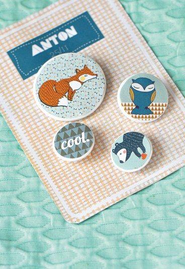 Traktaties in de klas: beestige buttons voor de jongens - Verjaardag van je kids: maak zelf cadeautjes voor in de klas