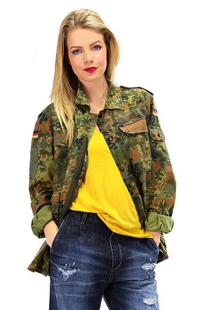 MEATPACKING D - Camicie - Abbigliamento - Camicia vintage con chiusura a zip e bottoncini a pressione.. Stampa sul retro e fascette sulle spalle. - CAMOUFLAGE - € 140.00