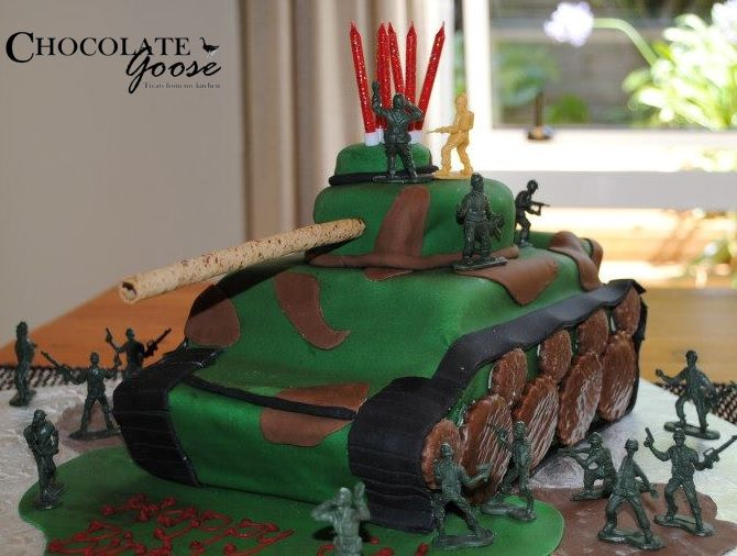 Tank / Army birthday cake