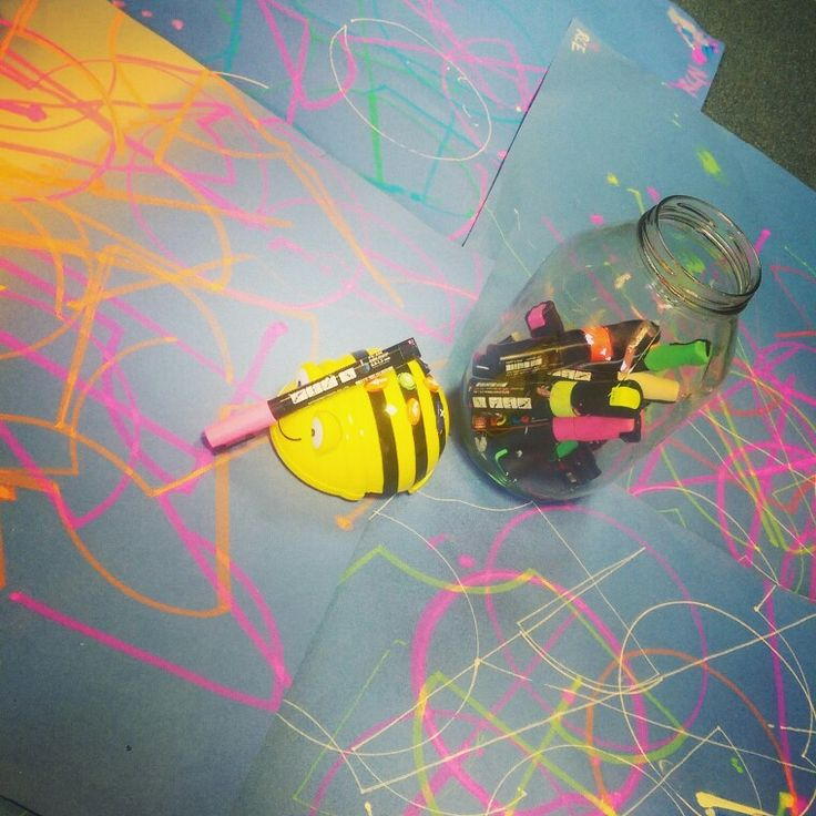 Programming algorithm art with Beebot and Posca pens! # ...