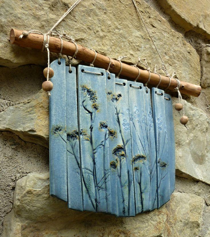 Krásně zvoní i modrá Keramická, krásně zvonící zvonkohra Rozměr 28 x 36 cm