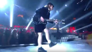 ACDC Puts Popstars To Shame At Grammys- Epic Guitar Solo From Angus