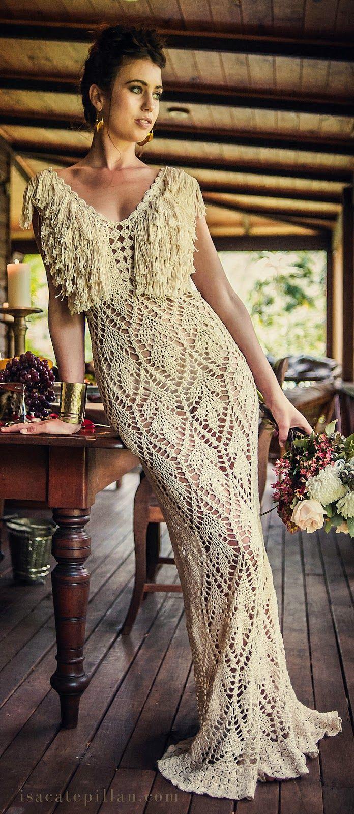 crochelinhasagulhas: Vestido longo em crochê com franjas