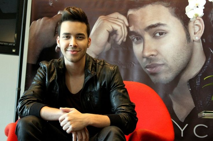 Prince Royce is all smiles as he sits on his red throne at a press conference for his new album, Soy El Mismo, on Oct. 14 in San Juan, Puerto Rico: Prince Royce ️ ️, Secret Pics, Prince Royce 3, Royce Secret, Princ Royce, Sexy Royce, Smile