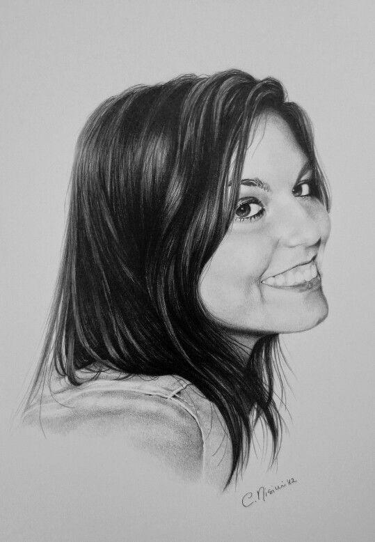 Portrait, chiaroscuro, pencils on paper. www.facebook.com/limaelabor #draw #drawing #pencils #art #chiaroscuro #portrait #beautifulgirl