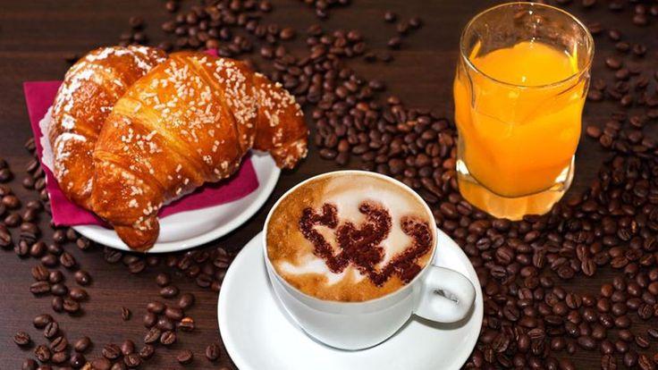 Per fare una #colazione ricca e completa non ti serve andare molto lontano... e se vi sa fatica prepararvela, andate al #Butterfly #Cafè di #Mantova e con soli € 8,00 potrai avere 2 colazioni con cappuccino, brioche e succo.  Ma prima ti serve il #coupon che trovi sulla pagina di #Mantovapon!