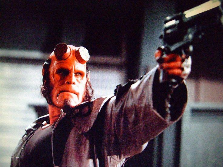 #Hellboy: un nuovo reebot, questa volta diretto da #NeilMarshall e con #DavidHarbour, la star di #Trangerthings nel cast, scopri maggiori info: http://www.ecodelcinema.com/hellboy-reebot-vietato-ai-minori-diretto-neil-marshall.htm #newscinema #filmnews #hellboyfilm