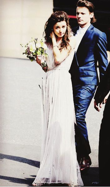 Eleanor Calder And Louis Tomlinson look really good at Jay's Wedding (Louis mum)