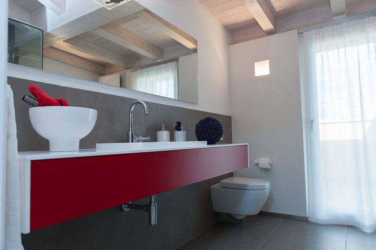 Red Bath