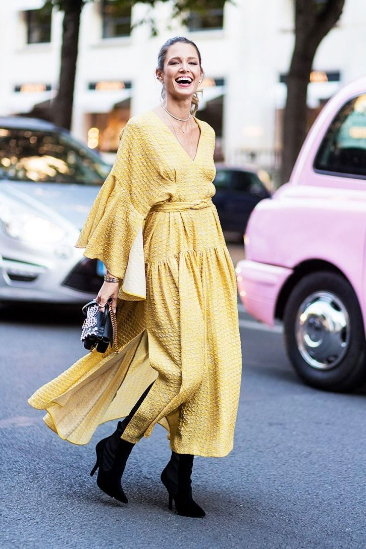 Yellow is such a flattering color for all skin tones and body types! I love this maxi dress street style look!