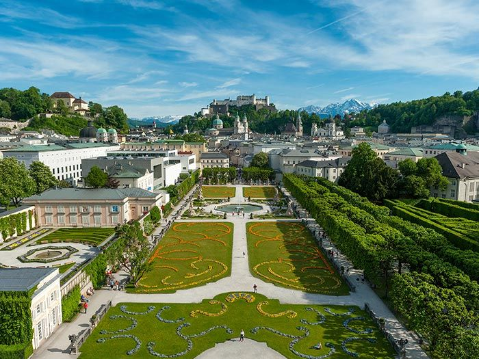 """Fortress Hohen Salzburg, Hellbrunn Palace, Mirabell Palace and Garden, The catedral (""""The Dom"""") and that fountain !!!"""