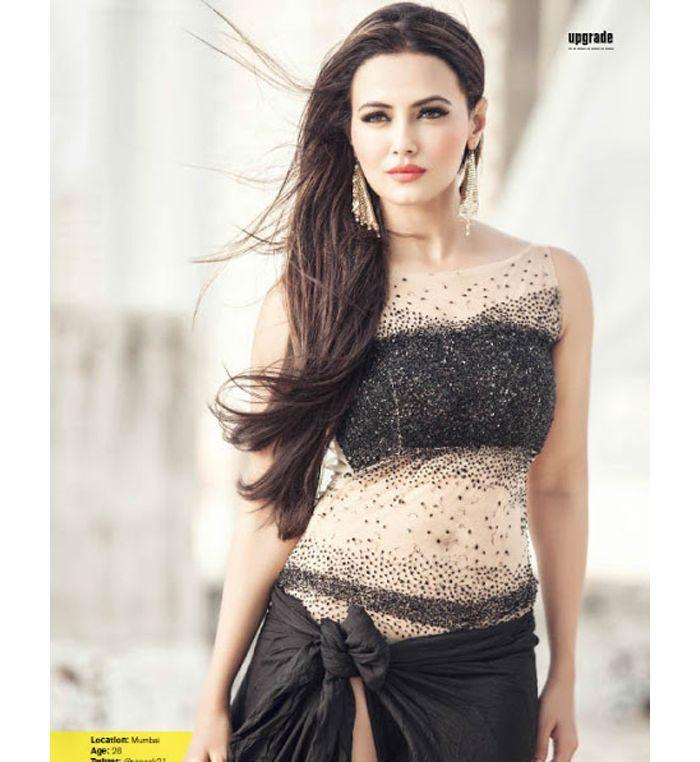 Sana Khan Hot Unseen Bikini Photo Gallery (22)