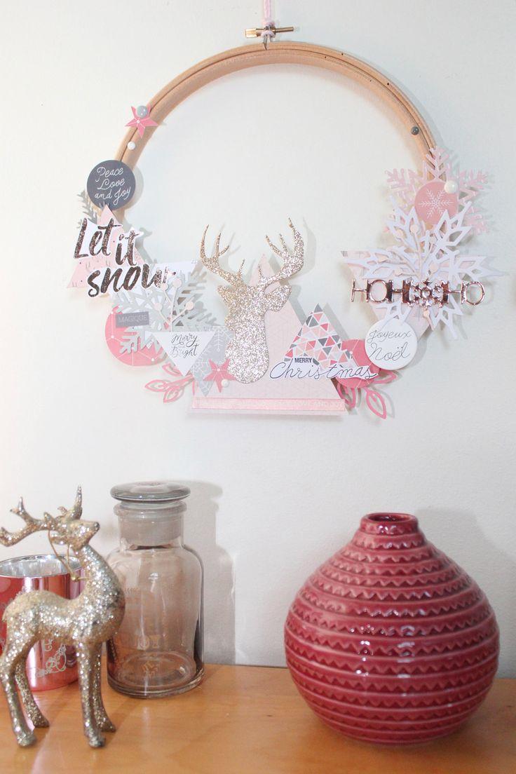 La couronne de Noël, si elle est installée à l'extérieur, est la première décoration que l'on voit avant de franchir le seuil de la maison. Elle permet de se mettre dans l'esprit de Noël dès la por…