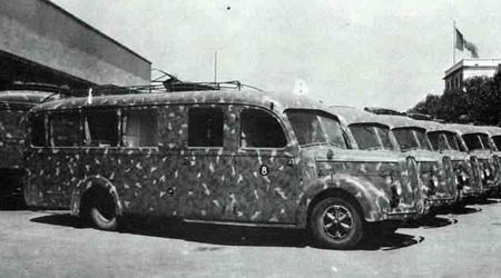 The autotreno commando in the deposit of the military engineering of Pavia. на шасси Alfa-Romeo 500