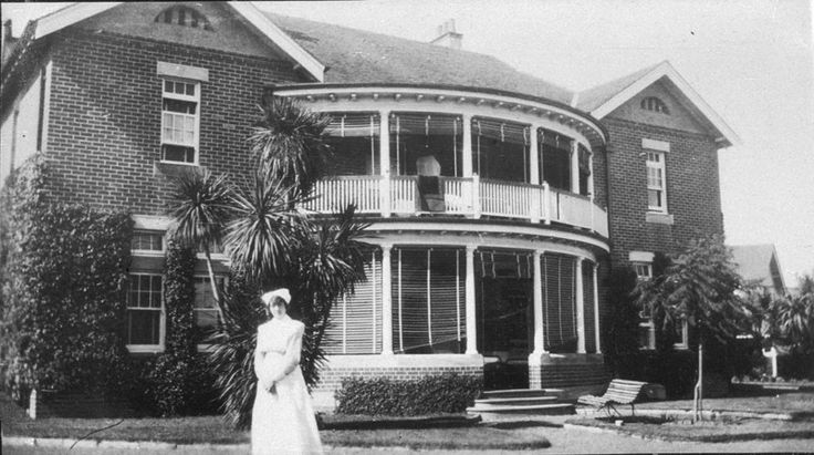 Admissions Building, Parramatta Psychiatric Hospital c.1920  Source: State Library of NSW (bcp_01641r)