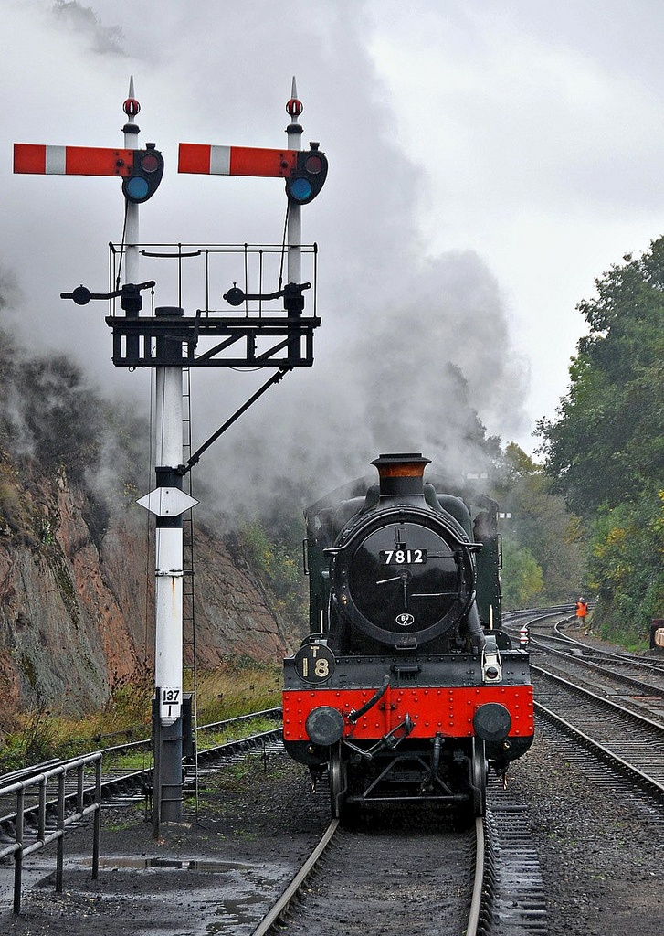 /by GVG Imaging #flickr #steam #engine #semaphore