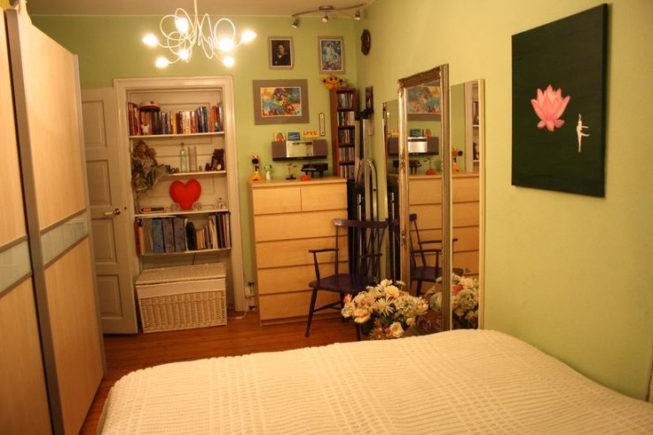 Just 10 minutes walk to the beach. Internet and full TV package included.