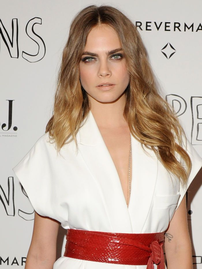 Cara Delevingne's sultry smoky eyes + nude lips