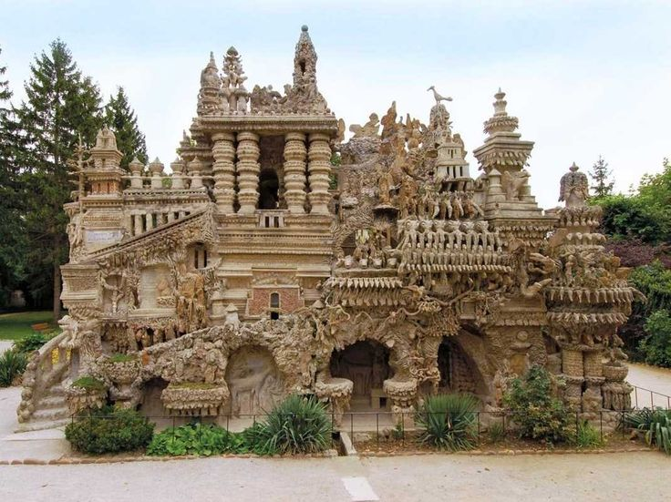 A French postman created a palace out of rocks he collected for 33 years. Today, the Palais Idéal du Facteur Cheval in France is a masterpiece.