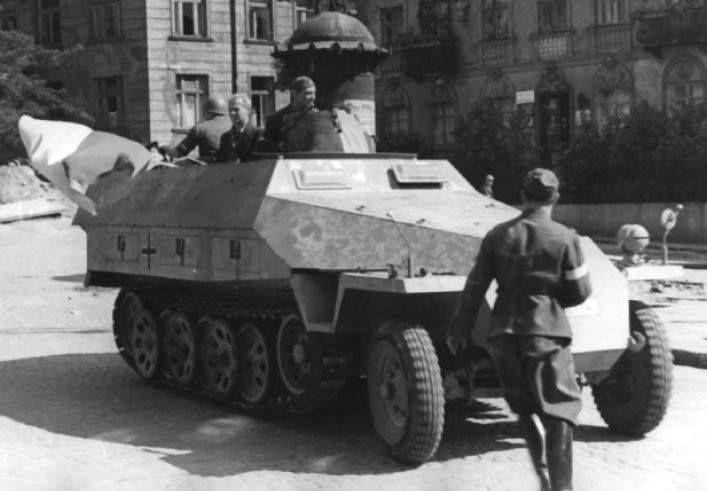 """Modyfikacje polowe transportera Sdkfz 251/1 Ausf D. """"Jaś"""" (""""Szary wilk"""")"""