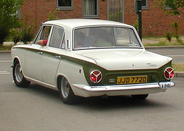 Ford Cortina. Walk past one of these in Hertford on my way to work each day :)