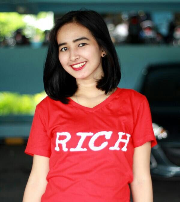 Rich female red edition