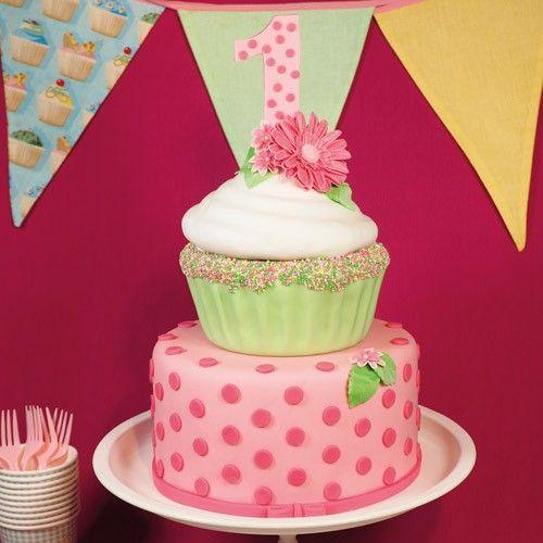 Giant verjaardag cupcake