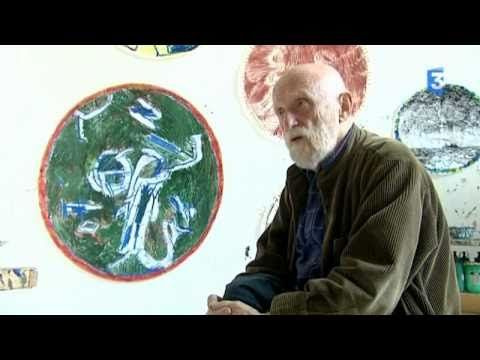 Pierre Alechinsky est un peintre, graveur, céramiste belge, qui réunit dans son œuvre expressionnisme et surréalisme. Il devient très rapidement l'un des act...