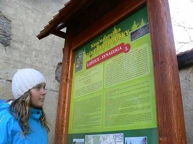 Naučná stezka rodným krajem Stanislava Lolka, tvůrce Lišky Bystroušky. Celá trasa měří 23 km.