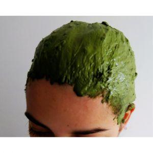 Coup de baguette magique avec le henné neutre ! Un soin remarquable pour vos cheveux !