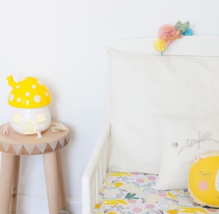Kids nightlight by little belle  #littlebelle #fairyhouse #fairyhouselight #mushroomlamp #nightlight #kids #kidslamp #kidslight #children #childrenslight #happy #love #yellow #sunshine #happydays #magic #gnomehome #gnomelife