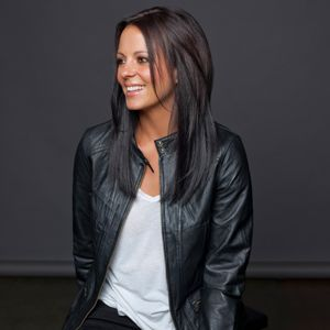 Artist Spotlight: Sara Evans Returns Stronger Than Ever - RoughStock