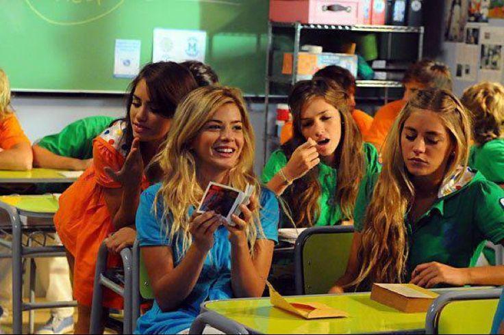Marianela (Lali), Tefi (Candela), Jasmin (Maria Eugenia) y Valeria (Rocio) en Casi Angeles 3 temporada