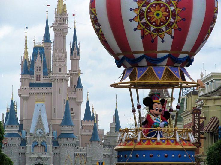 On ne le cache pas, une journée complète dans un parc à thème de Walt Disney World peut être épuisant. Il y a plusieurs facteurs qui peut faire en sortent qu'une journée devienne une corvée p…