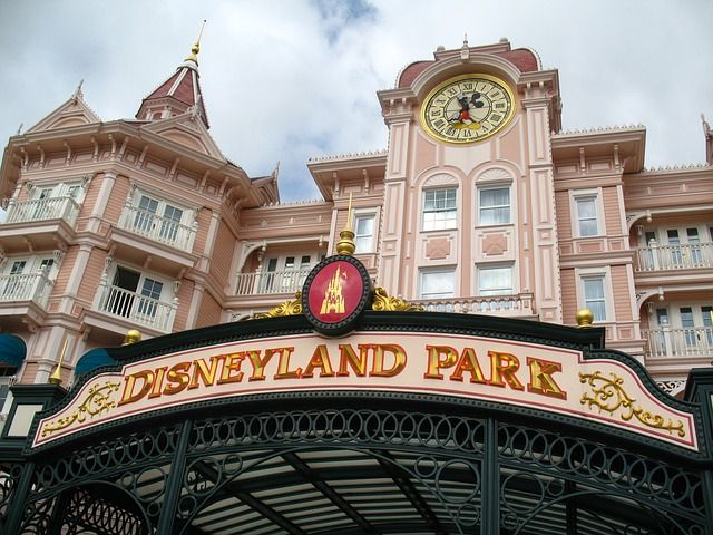 Disney California Adventure Coupons & Discounts | 2018 | Anaheim, California — The Know and Go: USA Vacation Travel Coupons & Discounts http://www.theknowandgo.com/californiaadventurecoupons #disney #california #travel #vacation #discounts #2018