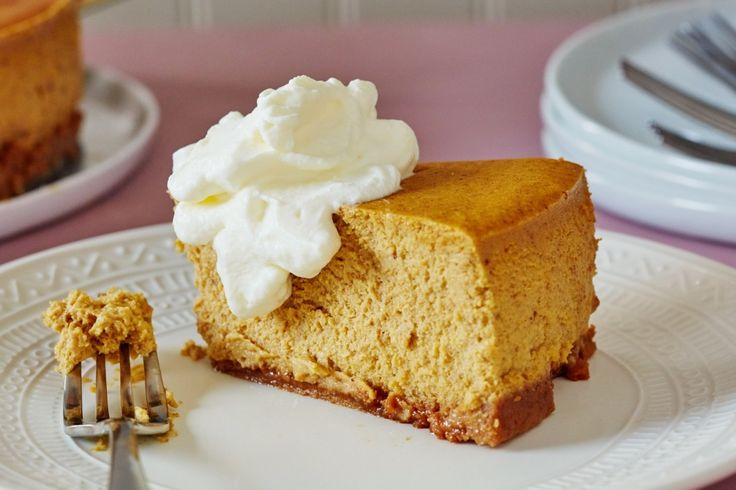 How To Make the Best Pumpkin Cheesecake from scratch. Follow this easy step by step recipe for the most delicious Thanksgiving dessert ever! Great twist on pumpkin pie.