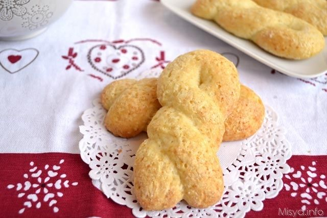 Treccine di ricotta - Le ricette di cucina di Misya
