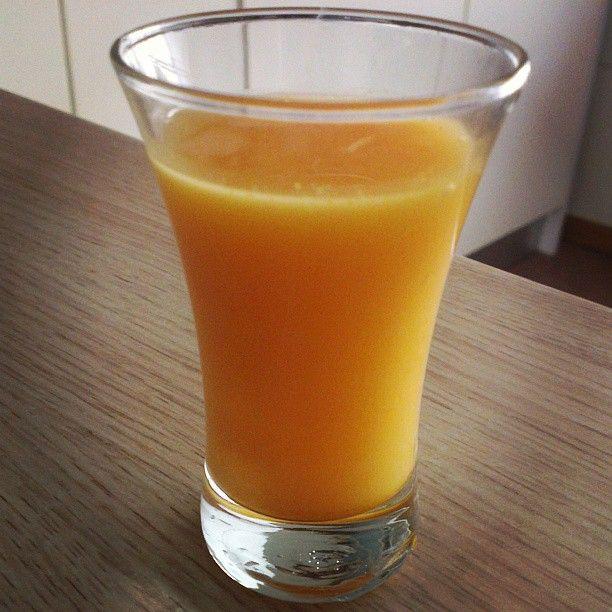 No-flu shot! /ginger, chili, kurkuma, honey, flax seed oil, lemon juice, apple vinegar- mix all and filter/